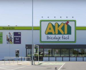 Fachada de una tienda Aki